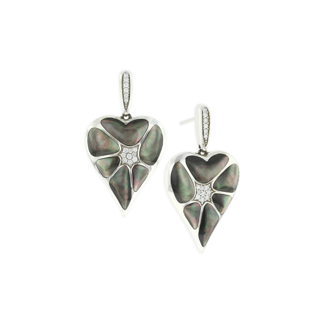 14 KT white gold Earring with inlay  and diamonds 1