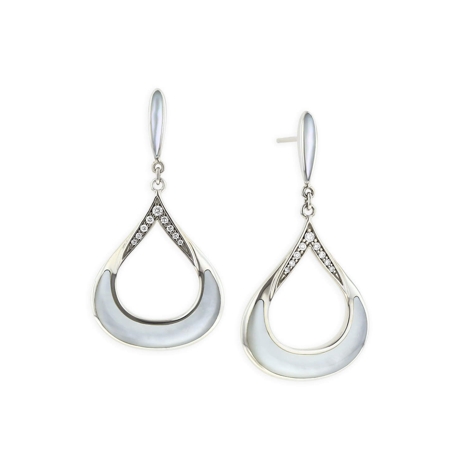 14 KT white gold Earring with inlay  and diamonds