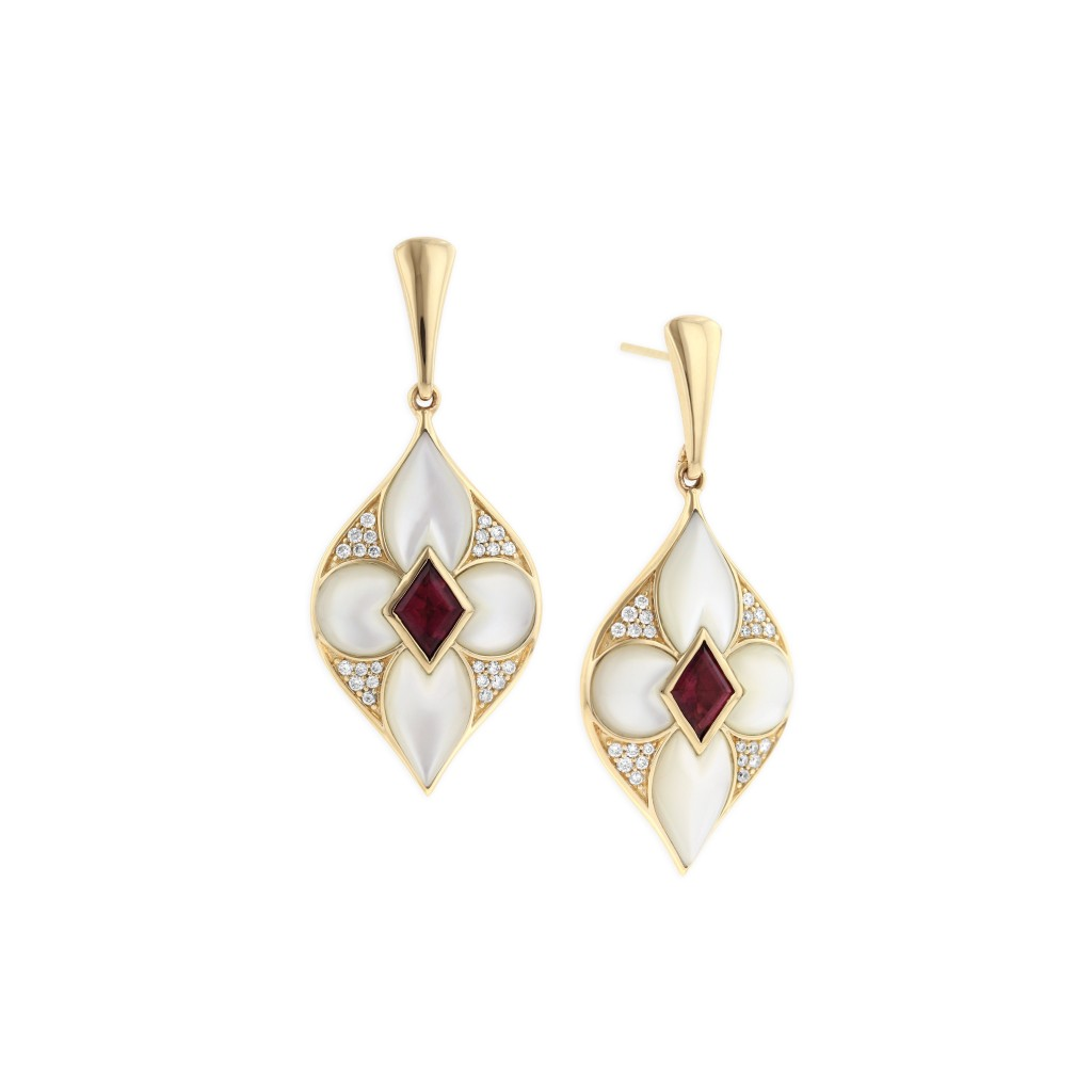 14 KT yellow gold Earring with inlay  and diamonds 1